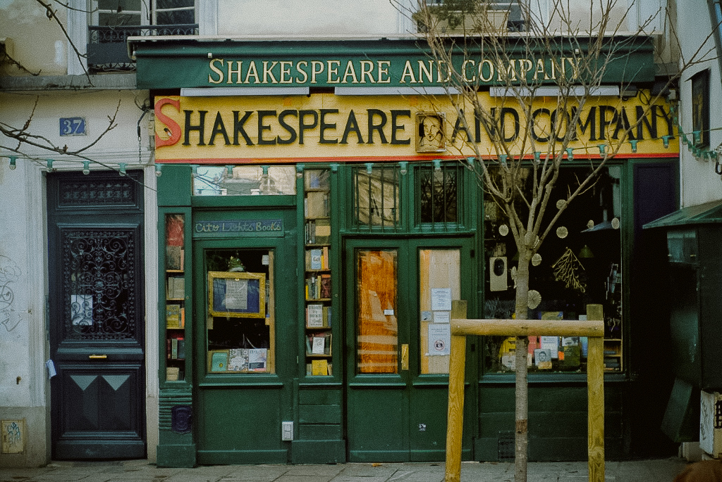 najpiękniejsza księgarnia paryża