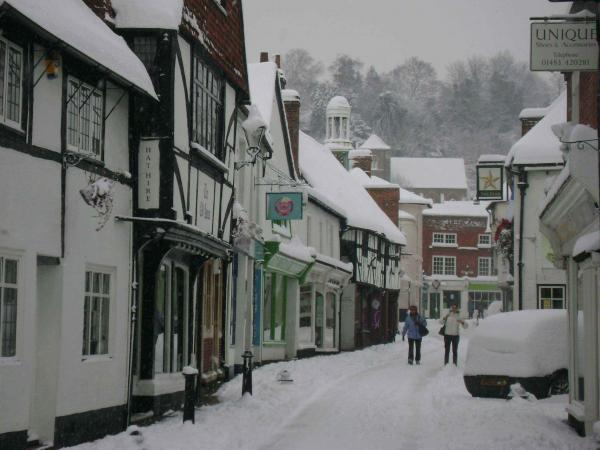 Godalming in the snow | Drone on
